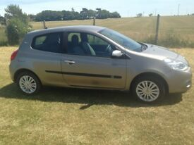 RENAULT CLIO 1.2 Metallic beige. Very good condition. 10 months MOT remaining. Low Mileage.