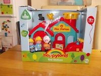 NEW HAPPYLAND ELC FIRE STATION & FIGURES