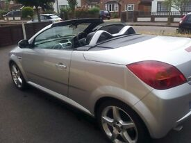 Vauxhall Tigra 1.8 16v 39,000 miles, 56 reg with service history. Absolutely lovely car. £1950