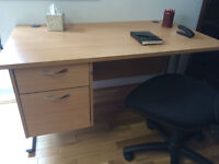 High quality desk with chest of drawers,3 chairs available, vgc