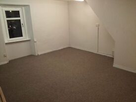 STEWARTON-LARGE OFFICE TO RENT - £75 PER WEEK INCLUDES BROADBAND, BILLS & ACCESS TO MEETING ROOM