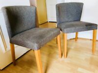 2 Confortable Chairs