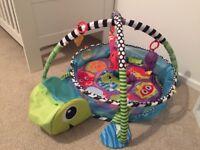 Childrens playmat / ball pit