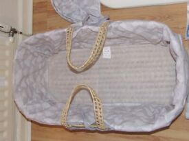 *BRAND NEW* Baby Moses Basket Grey With White Clouds Suit Boy or Girl 2 of 2