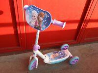 Disney Frozen Tri-Scooter with Elsa