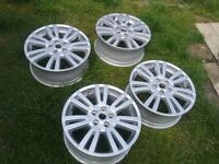 Land rover alloys size 21 almost new