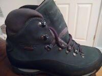 Hi Tec Bergamo heavy duty 2/3 season waterproof Italian leather walking boot