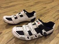 Louis Garneau revo xr3 road cycling shoes with shimano pedals and cleats. Size eu 46 (10.5)