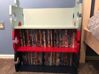 Kids bookshelf / storage in shape of jigsaw