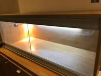 5ft beech vivarium with light fittings, wood and rock house