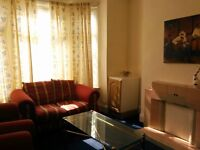 Double room fully furnished with no minimum contract