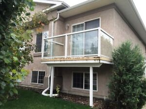 A MUST see!! Awesome unit in 6 plex close to downtown! ONLY $895