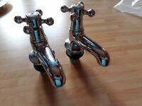 *** Pair of brand new Edwardian bath taps for sale £15 ono ***