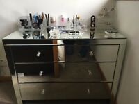 Mirrored chest of drawers - SOLD PENDING COLLECTION