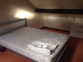 Golden triangle room to let 450pcm