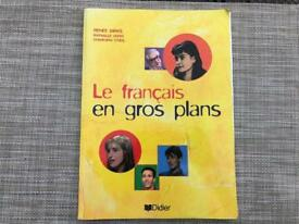 Le Français en Gros Plans (French text book)