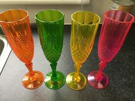 Set of 4 plastic champagne flutes