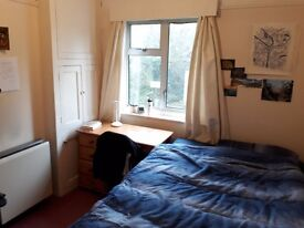 Double Bedroom for Student on Marston Road