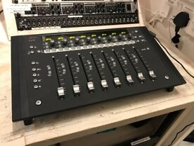 Used Avid Artist Mix 8-Fader EUCON Control Surface Midi Controller Fader Pro Tools Logic.. LIKE NEW!