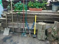 Joblot of garden tools.