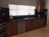 Solid Oak Kitchen for sale including dishwasher, cookerhood/extractor fan