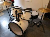 Tiger Drum Kit including hardware & Cymbals
