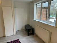 3 large double bed house to let