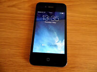 Apple iPhone 4 in Black 8GB on O2 network Comes with Box and Accessories.