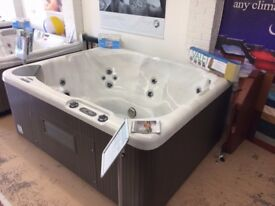 Beachcomber 340 Hot Tub. Limited Offer!!!!