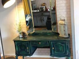 Dressing table. Shabby chic style