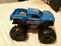 Large monster truck rrp £ 25