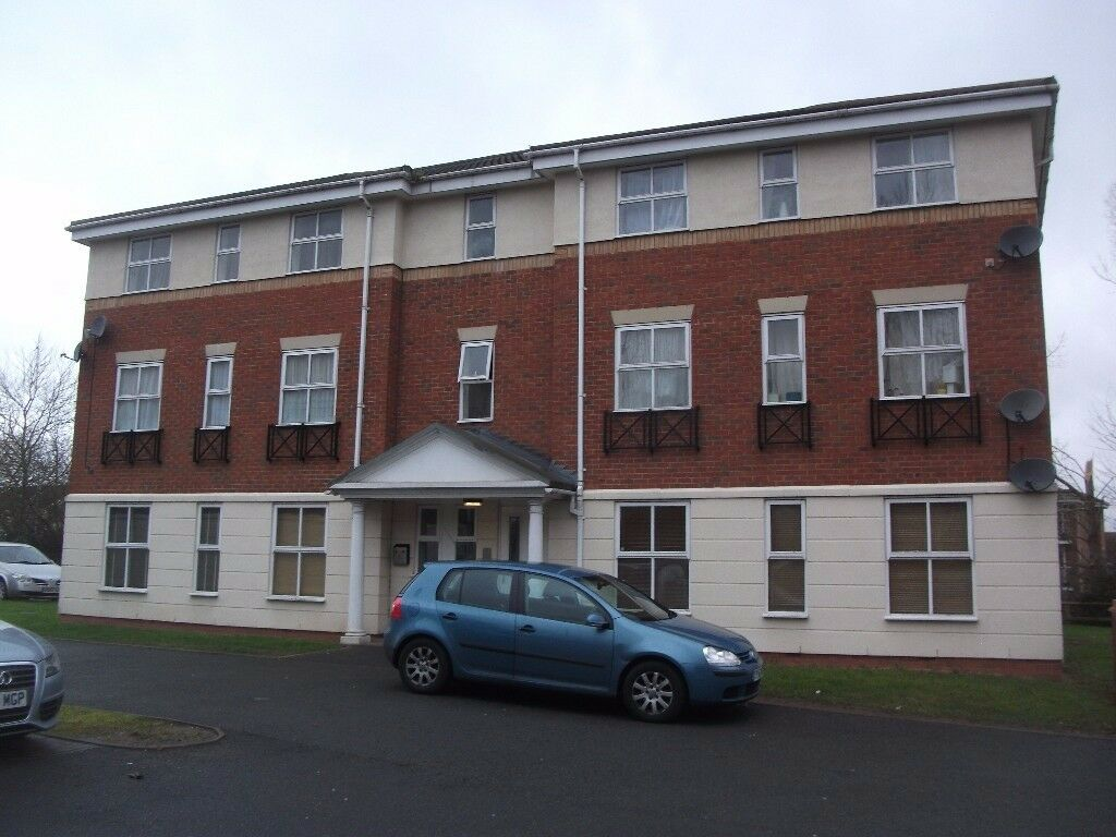 TWO BED FLAT. CLOSE TO B'HAM CITY CENTRE. IDEAL INVESTMENT. GOOD LOCATION. PARKING. £112,950