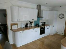 Kitchen for sale - Built in F/F - Extractor - Cooker