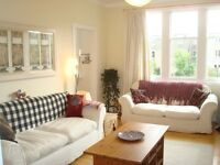 Ref: 748: Beautifully appointed 2 bedrooom flat in Learmonth Avenue, avail from 30 May!