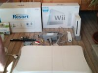 NINTENDO Wii CONSOLE BOXED SET /Wii SPORTS/Wii RESORT CONSOLE / NANCHUCK/ SENSOR BAR &BALANCE BOARD