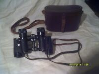 BINOCULARS , MALIK 8 by 25 In a LEATHER CASE . ++++++++++++++