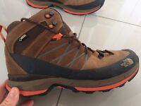 North Face Wreck Mid GTX Walking Boot. Used. Goretex. Vibram Sole. Size 11.