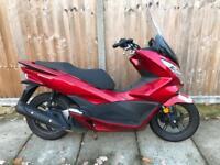Honda pcx 125 932 Miles new shap