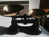 Scotts of Stow cast iron scales in racing green with six weights