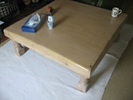 LARGE RUSTIC PINE COFFEE TABLE 110 X 110 CM VERY NICE ITEM FREE LOCAL DELIVERY AVAILABLE 07486933766