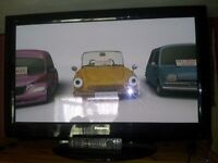PANASONIC VIERA 37'' HD READY WIDESCREEN PLASMA TV WITH REMOTE FOR SPARES OR REPAIRS MINOR FAULT