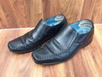 Men's Hush Puppies black leather formal shoes, size 8