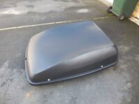 Halfords Roof Box, In excellent condition. Lockable