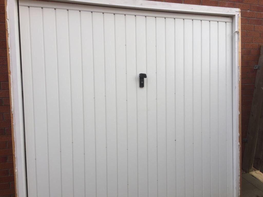 Free garage door needs gone asap