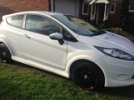 White 2010 Ford Fiesta Edge 1.25