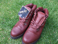 Women's Goretex Walking/Hiking Boots - never used Size 7
