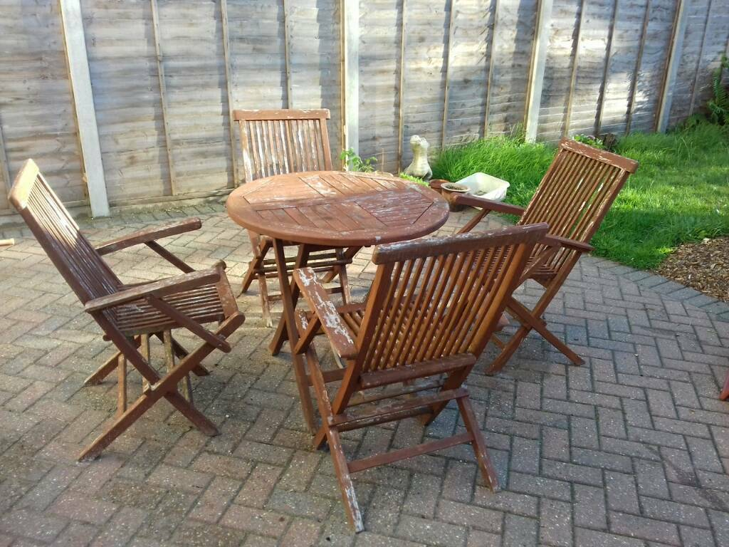 Solid teak garden furniture table and 4 chairs