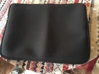 Brand new apple laptop case or iPad black £3 zipper case