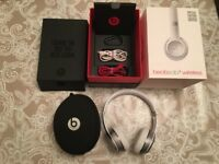 Beats solo 3 wireless headphones, special edition silver
