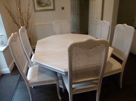 Extendable pedestal dining table and six chairs